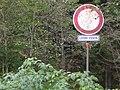 Zákaz vjezdu, lesní cesta.jpg