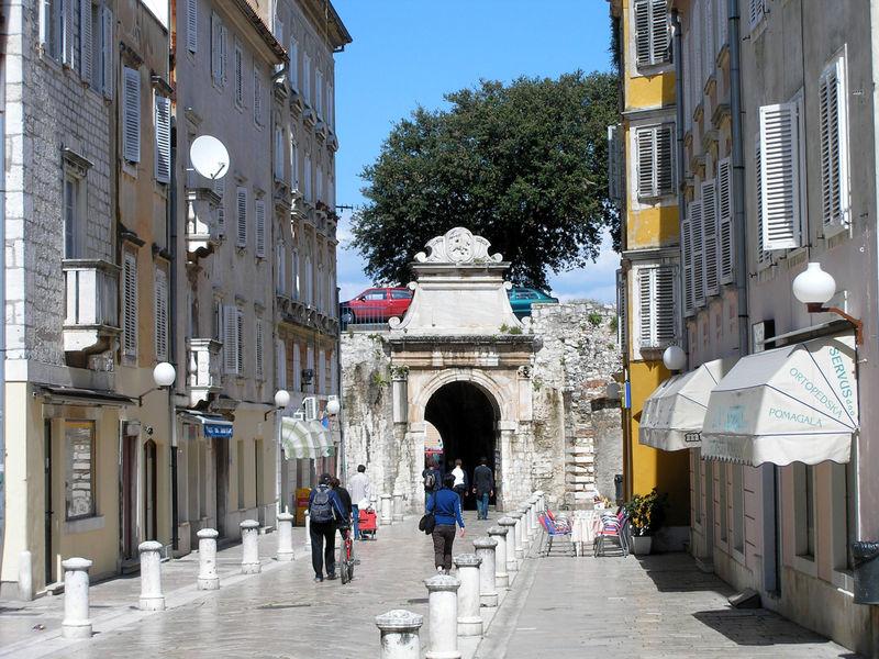 File:Zadar PortaMarina.jpg