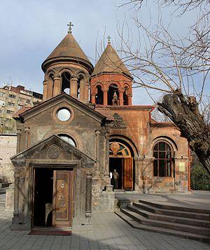 Zoravor Surp Astvatsatsin Church.jpg