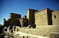 Ägypten 1999 (028) Assuan- Isistempel, Philae (26960209662).jpg