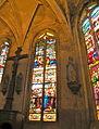 Église de Chaumont en Vexin vitrail déambulatoire 4.JPG
