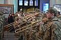 Військові оркестри під час урочистих заходів (37888669922).jpg