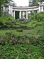 Колоннада Аполлона в Павловском парке от мостика летом 2009г.jpg