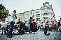 Ринок, вуличні музиканти.jpg