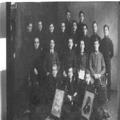 אגודת הגימנזיסטים השחר בלבו ב מימין לשמאל - שורה ראשונה ( למטה ) פרוסטיג (-PHG-1018200.png