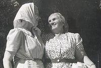 קיילה גלעדי וחוה אלון אסושקין.jpg