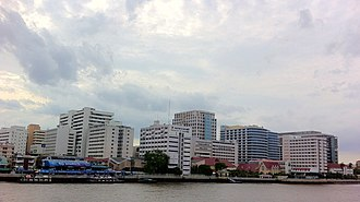 Siriraj Hospital - Siriraj Hospital from Chao Phraya River