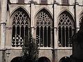 103 Catedral, finestrals del claustre.jpg