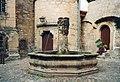 20020917250AR Schleusingen Schloß Bertholdsburg Brunnen.jpg