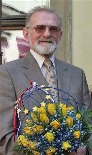 Bronisław Geremek - Image: 2004.05.01. Bronislaw Geremek 01