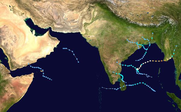 "Essay on the ""Cyclone"" in Hindi Language"