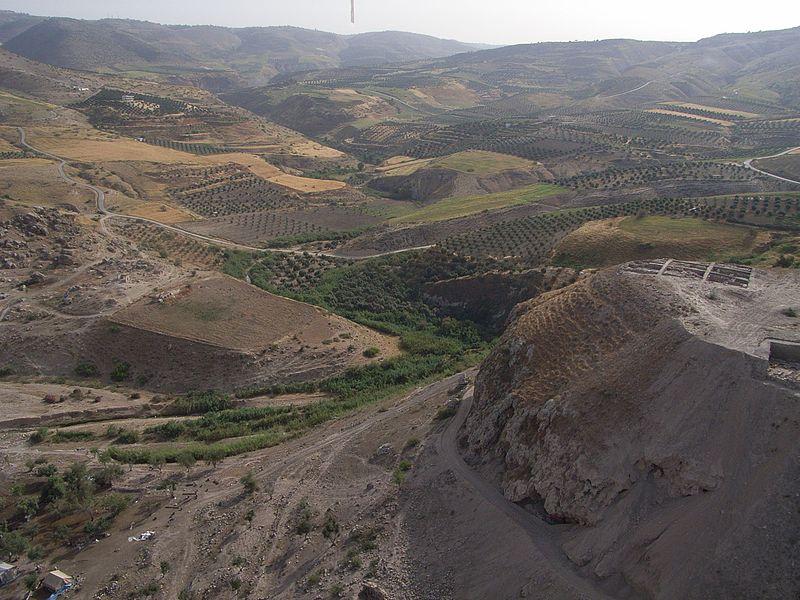 File:2008 Wadi e A und TZ nach ONO.jpg