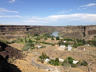 Snake River Canyon (Idaho) - Image: 2013 07 07 17 37 07 View east up the Snake River Gorge from just northwest of Shoshone Falls in Idaho
