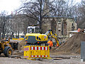 2013 Ausgrabung Alter St. Nikolai-Friedhof Nikolaikapelle Hannover, 60b, Fortführung der Baggerarbeiten, Einebnung der ehemaligen Grabungsstelle.jpg