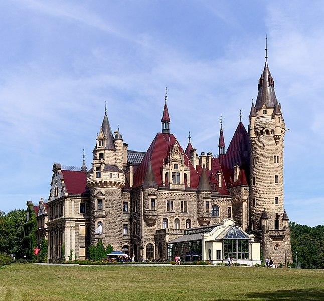 File:20180812 Zamek w Mosznej 1041 8643 DxO.jpg