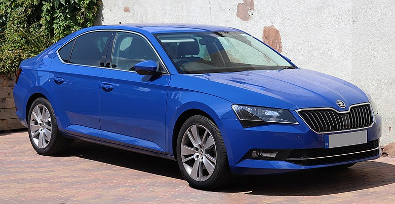 Dosya:2018 Skoda Superb SE L Executive TSi 1.4.jpg