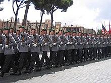 Militari del Battaglione Guardie dell Esercito Tedesco con il basco verde  della fanteria. a9e24e464aba