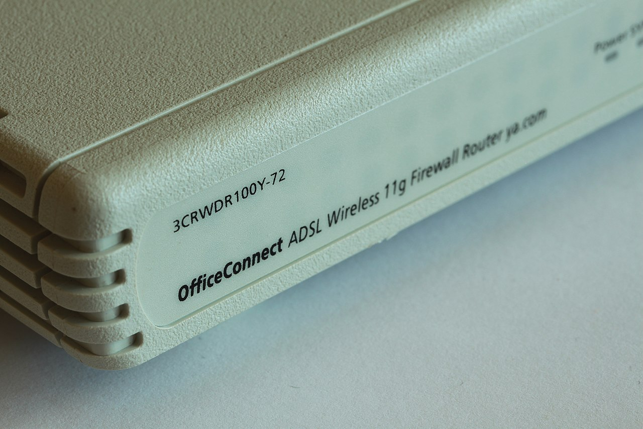 File:3Com OfficeConnect ADSL Wireless 11g Firewall Router 2012-10 ...