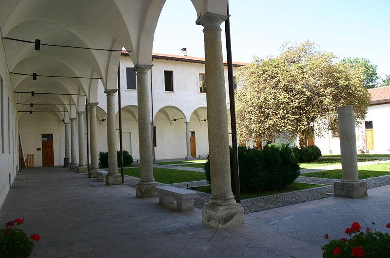 File:4056 - Milano - Antiquarium - Resti del chiostro maggiore - Foto Giovanni Dall'Orto - 14-July-2007.jpg