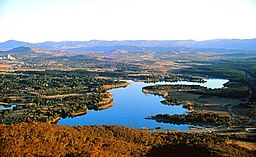 ACT011 Lake Burley Griffin 1985 (33315177892).jpg