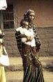 ASC Leiden - van Achterberg Collection - 1 - 080 - Femme mbororo avec enfant - Bamenda, Cameroun - 6-12 février 1997.tiff