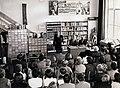 A mikrofonnál Bánffy György színművész, az asztalnál jobbra Király István irodalomtörténész. Fortepan 101082.jpg