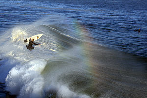 English: A surfer in Santa Cruz, California