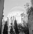 Aanzicht van een kerkgebouw, zogenaamde Abbesijnsche kerk, met grote koepel en, Bestanddeelnr 255-2285.jpg