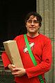 Achim Brandau von der Webseite www.linden-entdecken.de mit Geschichten aus der Lindener Geschichte vor dem TAK Theater am Küchengarten.jpg