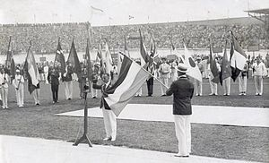Harry Dénis - Harry Dénis taking the olympic oath (1928)