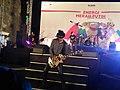 Aksi Piyu gitaris Band Padi.jpg