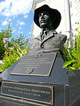 Alberto Santos-Dumont statue in Washington DC.jpg