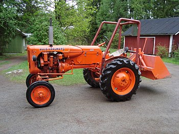 English: Allis-Chalmers D270 diesel tractor of...