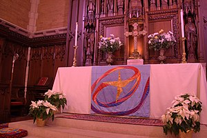 St. Mark's Episcopal Cathedral (Minneapolis) - The main altar at the cathedral