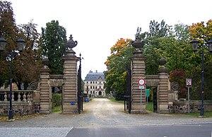 Altdöbern - Image: Altdöbern Eingangstor Schloss