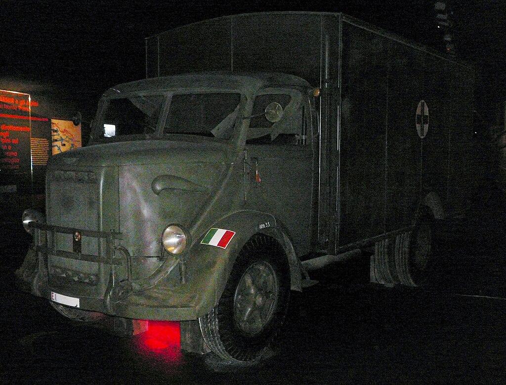 Ambulanza Bianchi Miles, presso le Gallerie di Trento