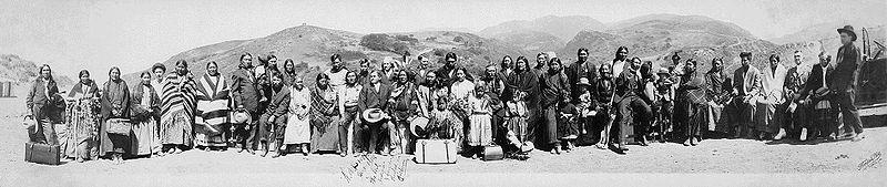 800px-American_indians_1916.jpg