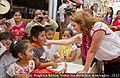 Angélica Rivera de Peña en encuentro y Visita a la escuela de los Voladores de Papantla. (6932267658).jpg