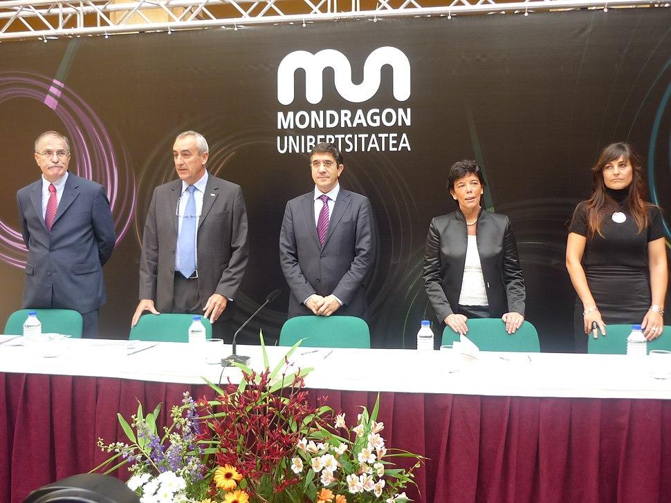 Apertura del curso 2009-1010 de la Universidad de Mondragon-Mondragon Unibertsitatea