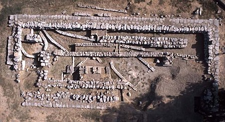 aerial view of the Apollo Daphnephoros Temple at Eretria