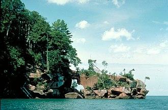 Raspberry Island (Wisconsin) - Image: Apostle Islands Raspberry Island