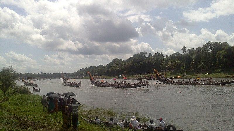 File:Aranmula boat race 3.jpg