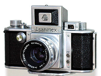 History of the single-lens reflex camera - Asahiflex — the first Single-lens reflex camera made in Japan