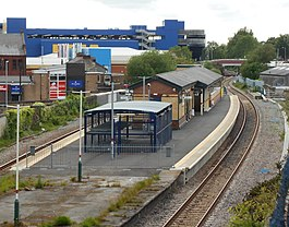 Ashton-under-Lyne station, May19 (2).jpg