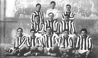 Atlético Madrid - An Athletic Madrid lineup of 1911 in their new red and white kit