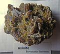 Axinite provenanceInconnueRefMGL38191 MuséumHistoireNaturelleLille GLAM2016 Photo.F.Lamiot Bloc péchelle.jpg