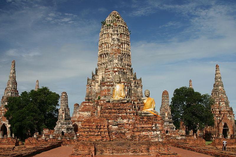 рамиды) Ват-Чайваттханарам находится в бывшей столице Таиланда