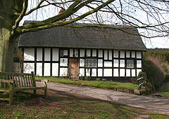 B+w cottage, Peckforton.jpg