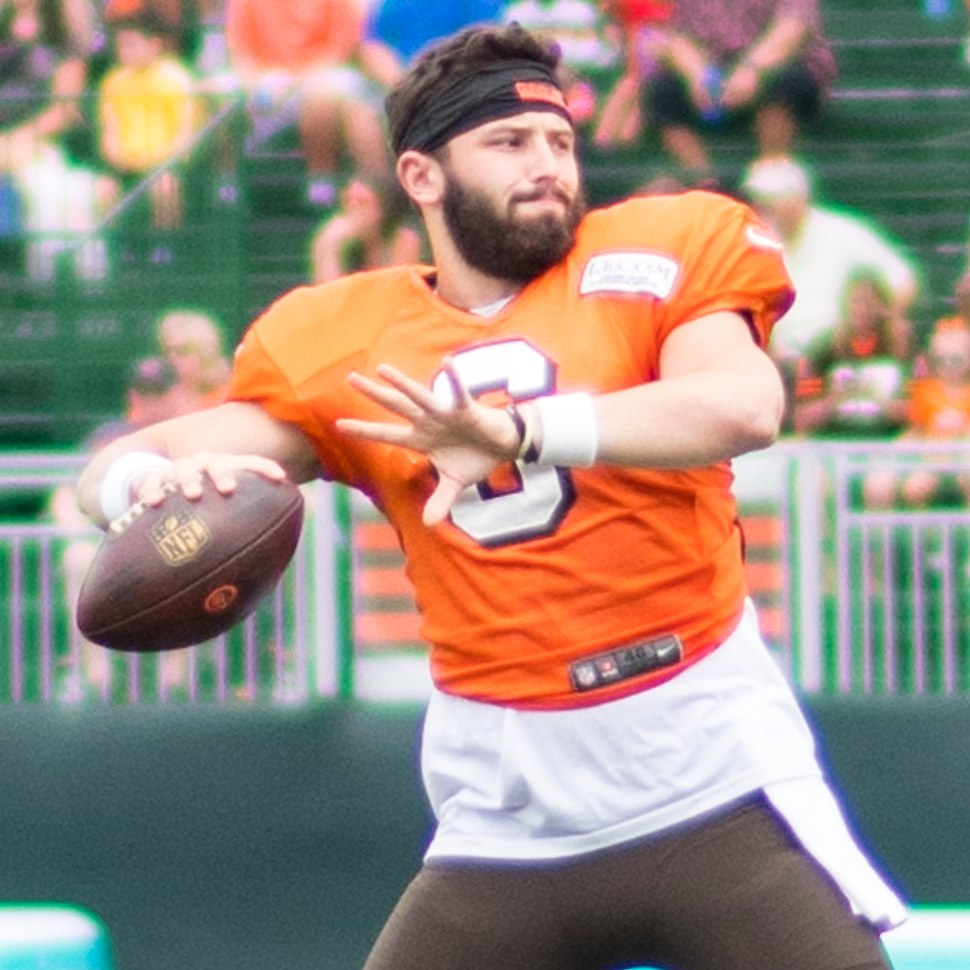 Baker Mayfield training camp 2018 (2) (cropped)