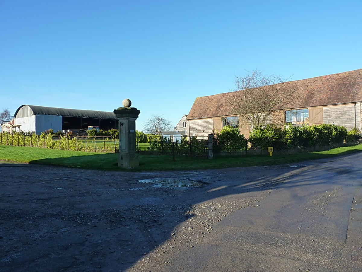 Barns, Golding Farm.jpg